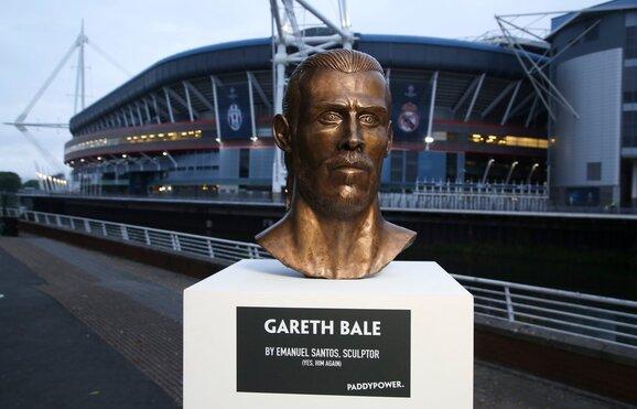 Resultado de imagem para Gareth Bale também já tem um busto como o de Ronaldo