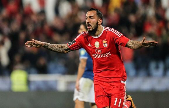 Resultado de imagem para Benfica recusou 20 milhões de Itália e Espanha por Mitroglou