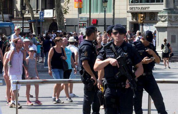 Resultado de imagem para Autor do atropelamento em Barcelona terá sido abatido em Cambrils