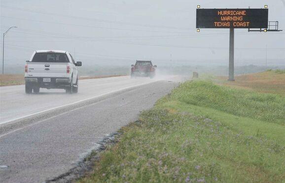 Furacão Harvey já é de categoria 3... Governador do Texas alerta para catástrofe! Image