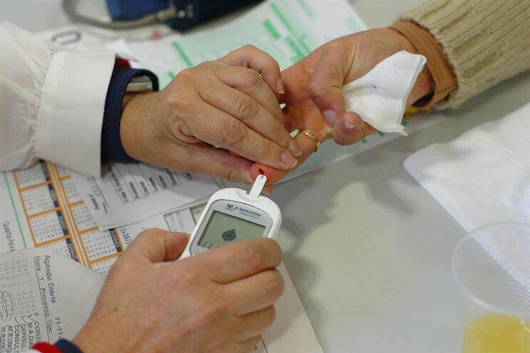 Dispositivos para detetar cancro através de gota de sangue   Image