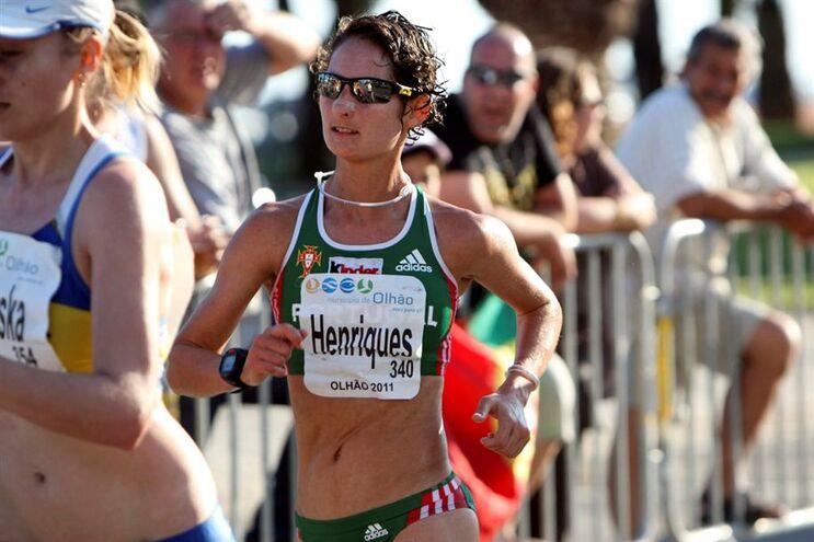Resultado de imagem para Portuguesa quebra recorde do mundo dos 50 km marcha