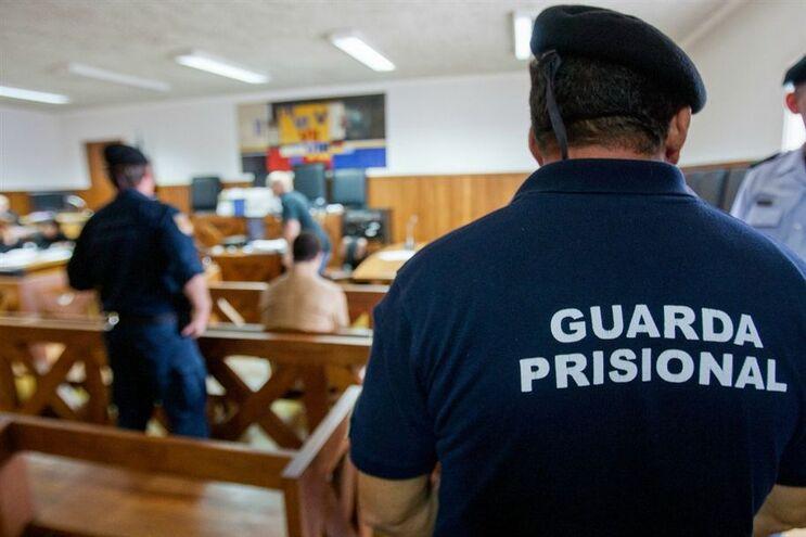 Resultado de imagem para Homem acusado de tentar matar a mulher começou a ser julgado em Coimbra