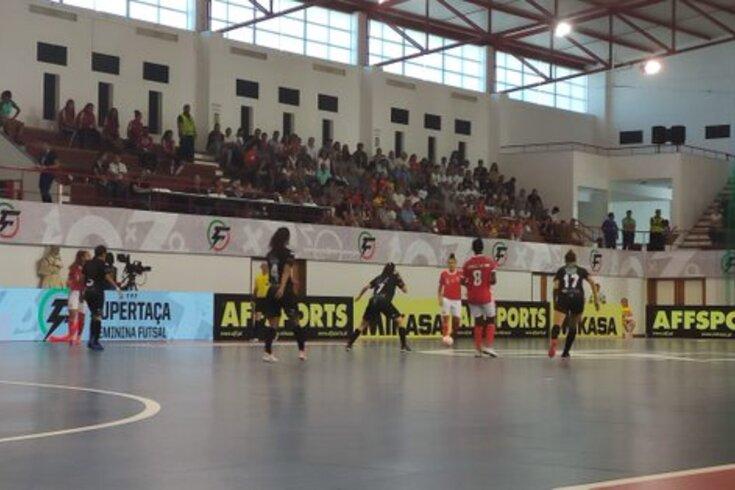 Benfica vence Novasemente e conquista Supertaça feminina