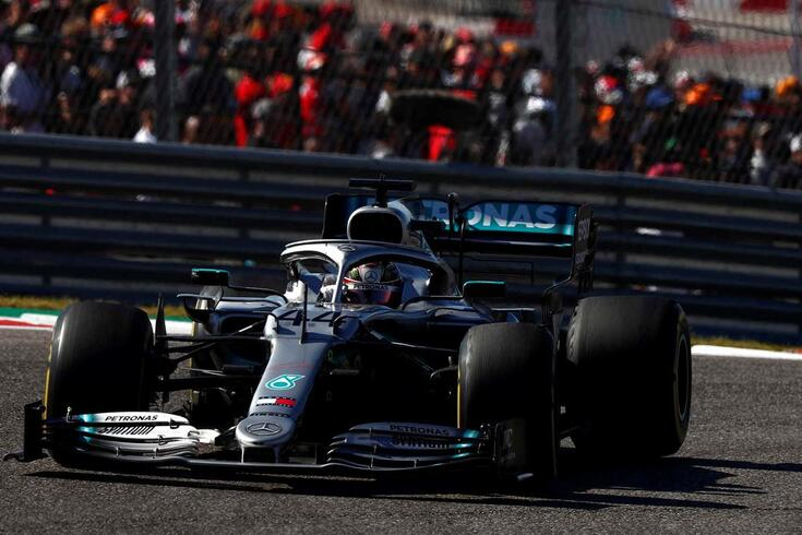 Lewis Hamilton é campeão, outra vez
