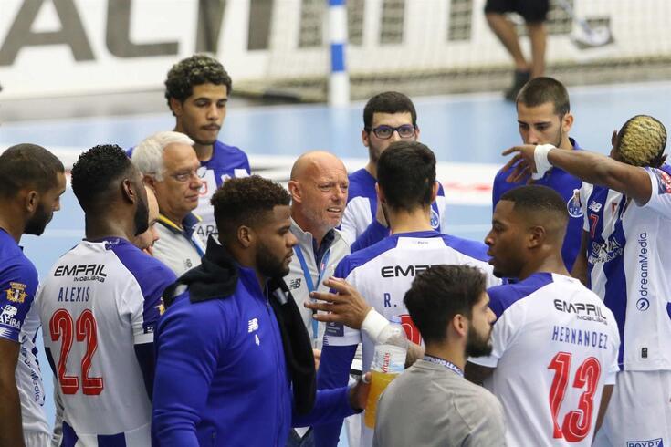 FC Porto vence Kiel, na Alemanha