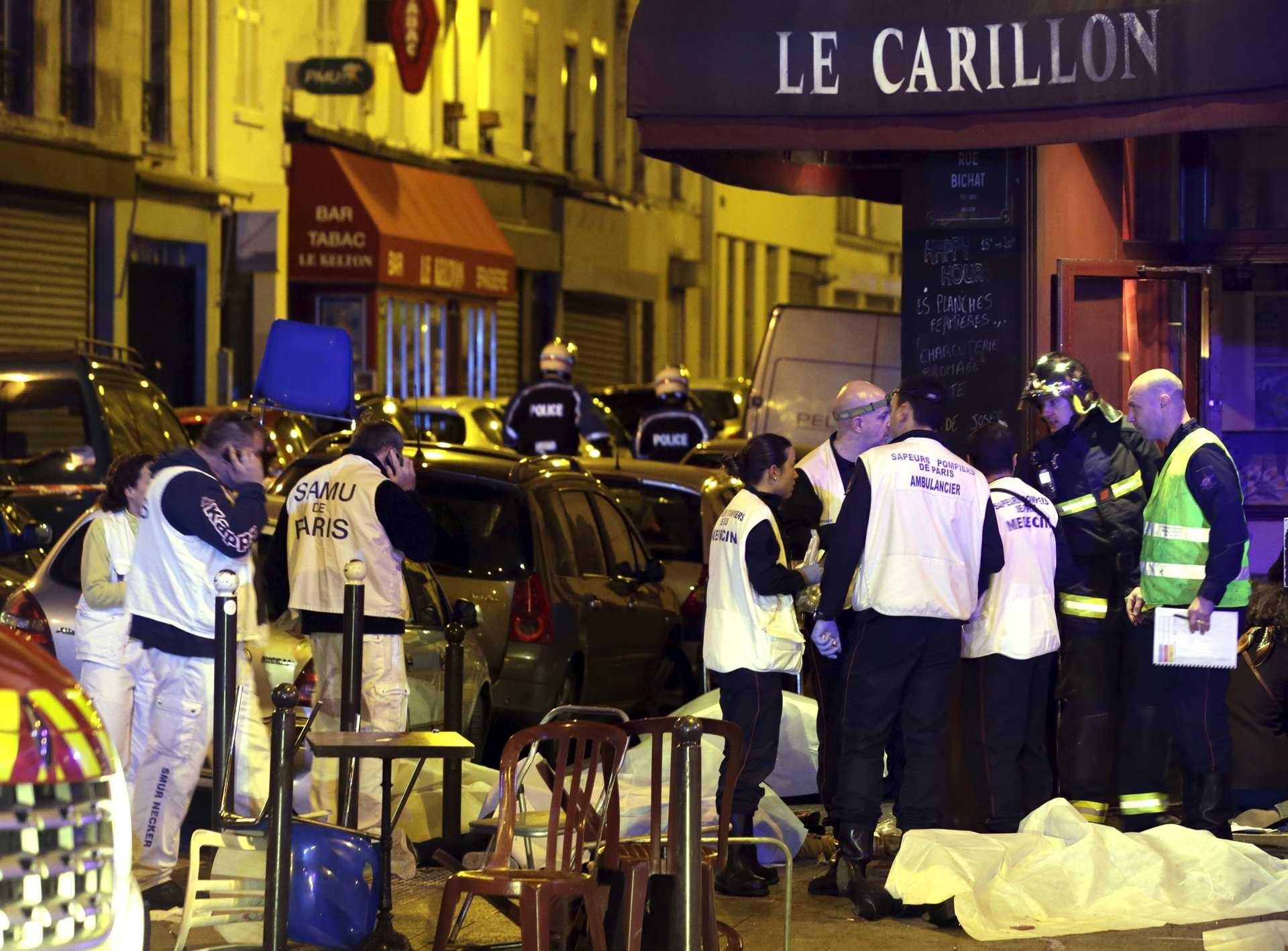 Oito terroristas mortos nos ataques de Paris após atentados que mataram mais de 140 pessoas Ng5161859
