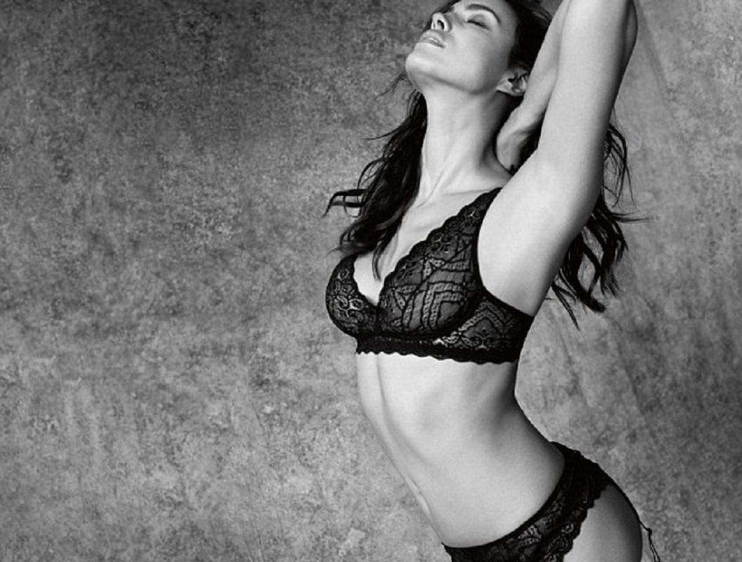 Sexy Eva Longoria Photos Near Nude Eva Longoria Pics