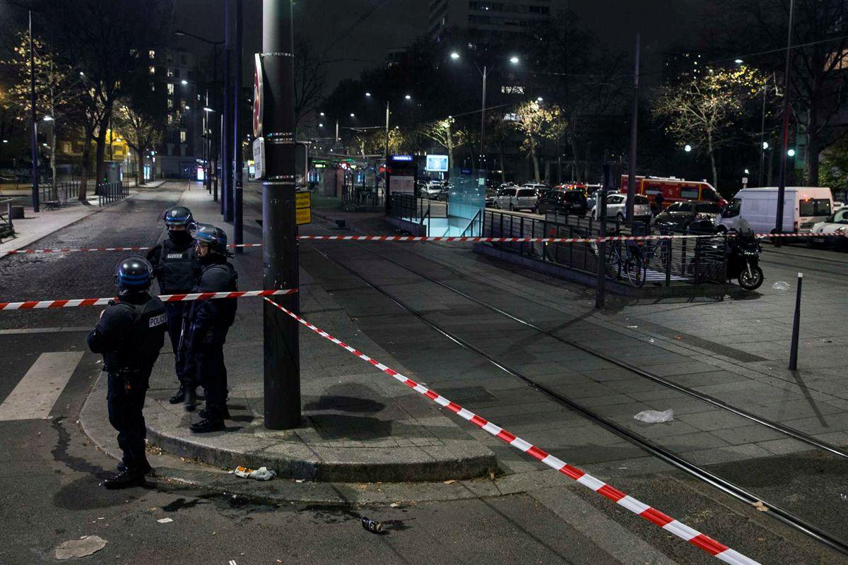 Assaltante armado faz sete reféns numa agência de viagens em Paris