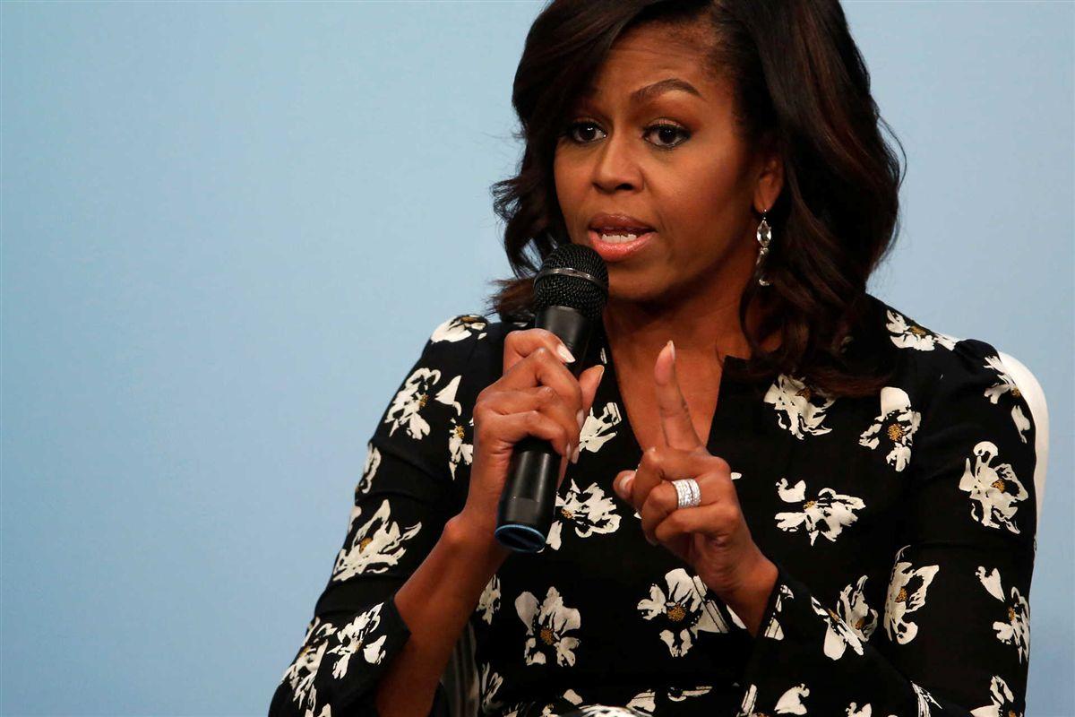 """Resultado de imagem para Michelle Obama diz que os americanos vão ter saudades """"de ter um adulto na Casa Branca"""""""