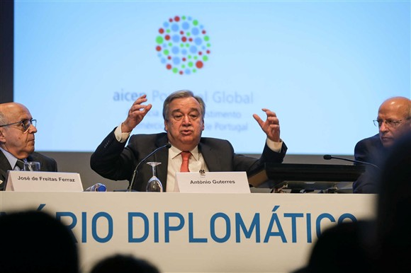 Portugal indica ex-premiê Guterres para ser secretário-geral da ONU