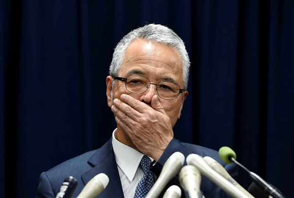 Ministro da Economia renuncia após escândalo de corrupção