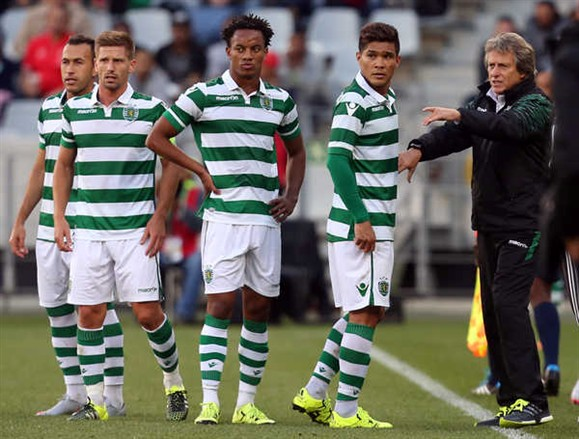 Sporting confirma saída de Carrillo para o Benfica