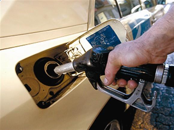 Combustíveis descem duas vezes na próxima semana