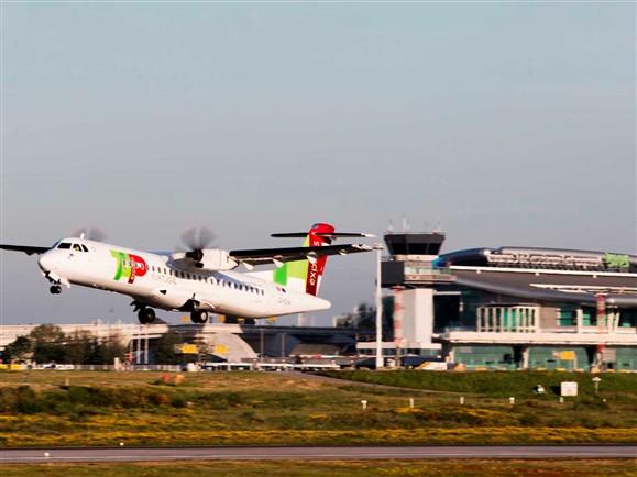 Aeroporto Viseu : Lisboa principal pista de aeroporto fechada
