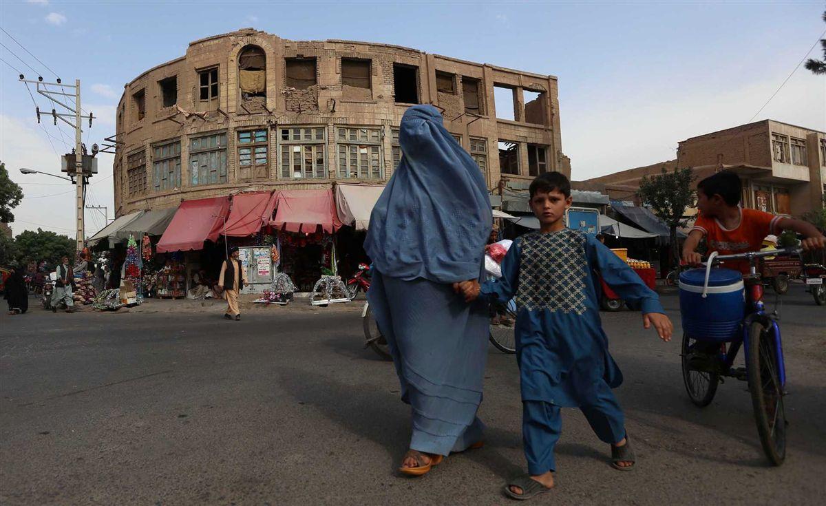 Talibãs atacam turistas e são mortos por Exército afegão