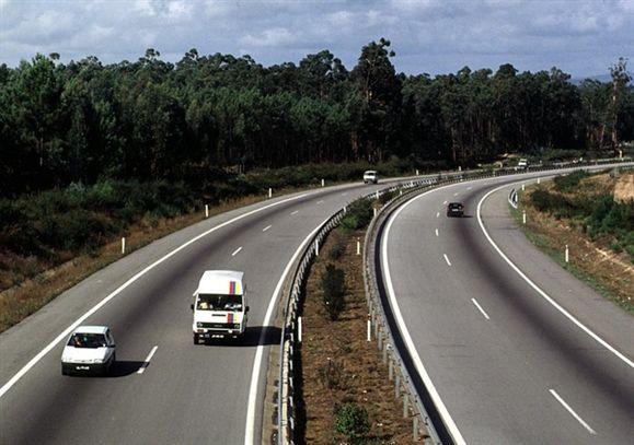 Despiste faz dois mortos, A1 cortada na zona de Coimbra