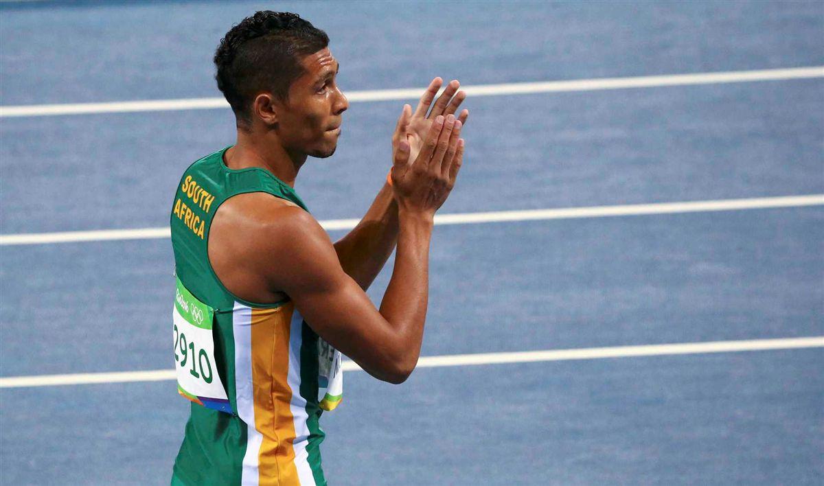 Sul-africano vence os 400 me quebra recorde mundial de Michael Johnson