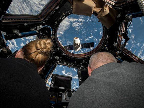 Veja em direto como se trabalha na Estação Espacial Internacional