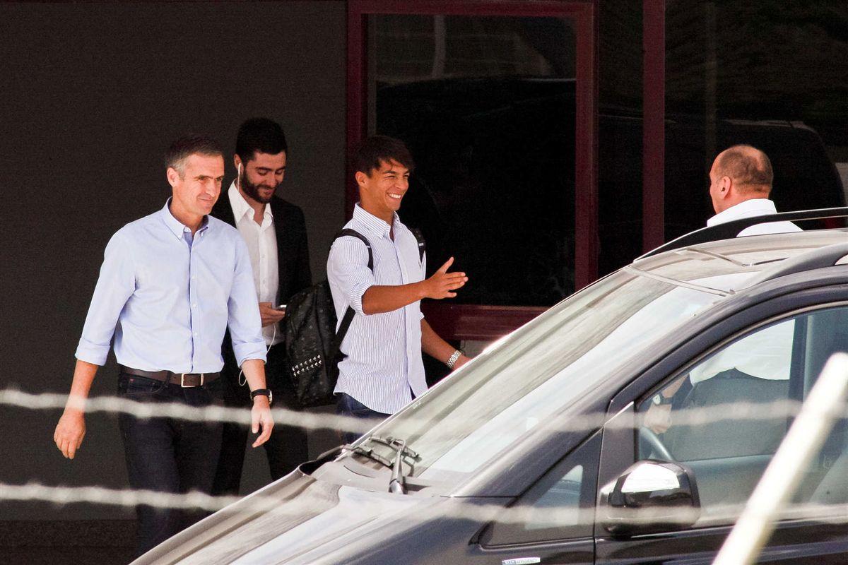Óliver Torres é oficial: FC Porto envia comunicado à CMVM