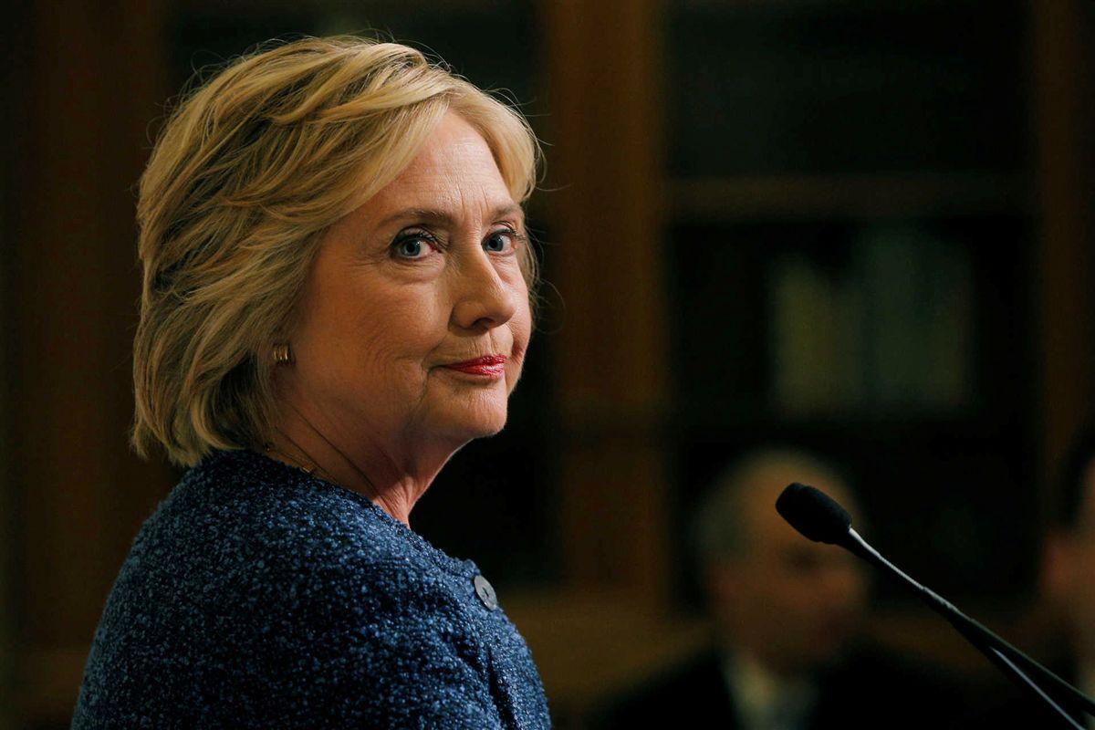 Hillary Clinton é diagnosticada com pneumonia após passar mal em evento