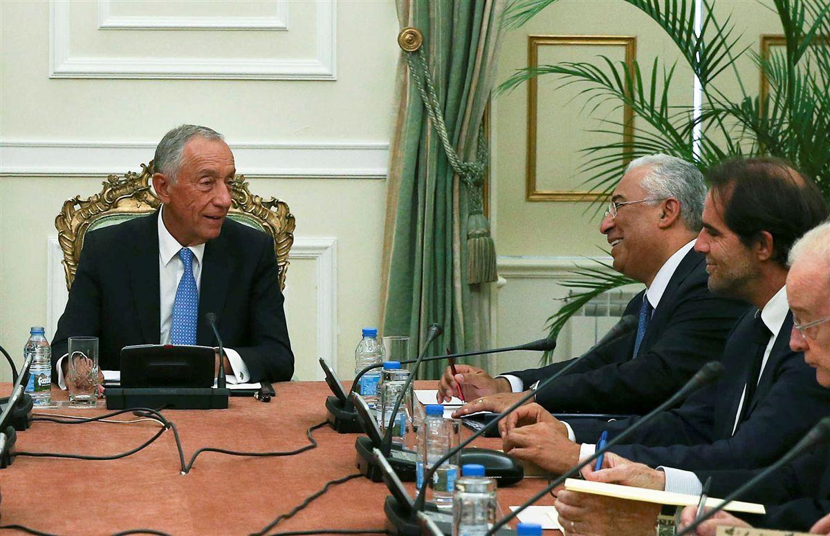 Resultado de imagem para Presidente da República veta lei do sigilo bancário