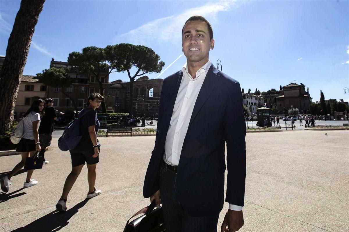 Derrotado em referendo, primeiro-ministro da Itália deve renunciar nesta segunda