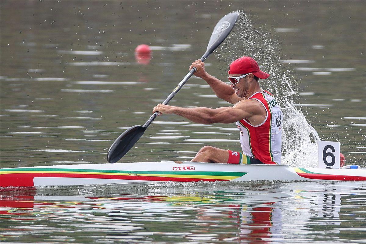 Resultado de imagem para Fernando Pimenta conquista medalha de ouro em K1 5000 metros nos mundiais de canoagem