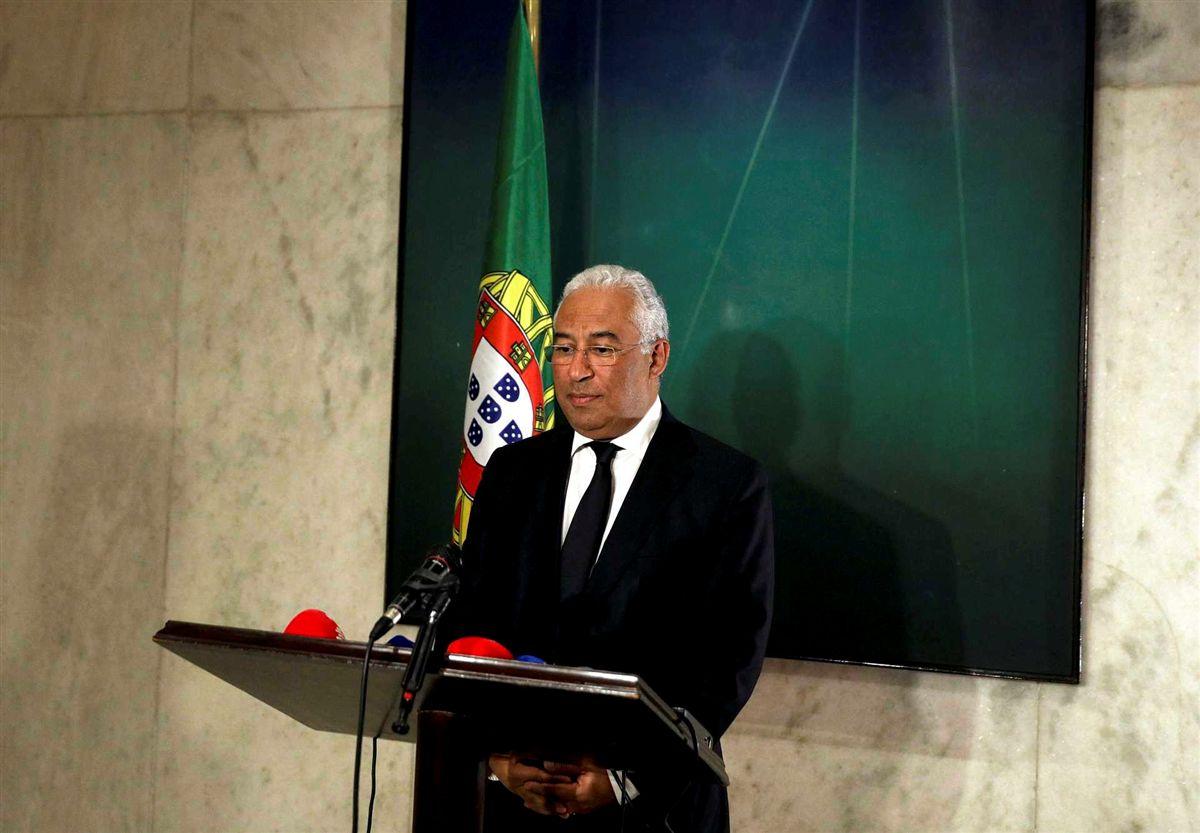 Resultado de imagem para Costa decreta três dias de luto nacional e funeral com honras de Estado