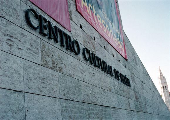 Resultado de imagem para Arquiteto e antigo presidente do CCB Antero Ferreira morreu hoje aos 84 anos