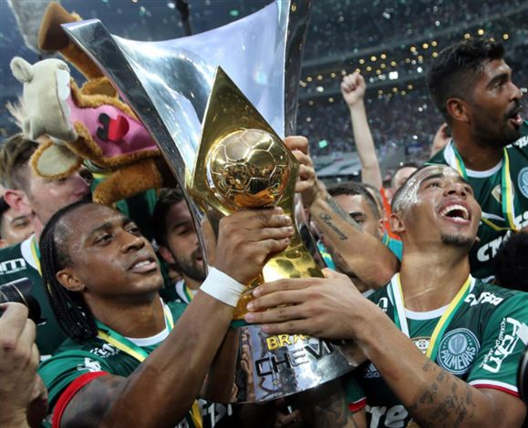 Palmeiras confirma multa da Fifa por Barcos e promete pagar valor