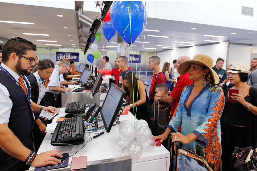 Voo 387 da companhia americana JetBlue realiza viagem histórica para Cuba