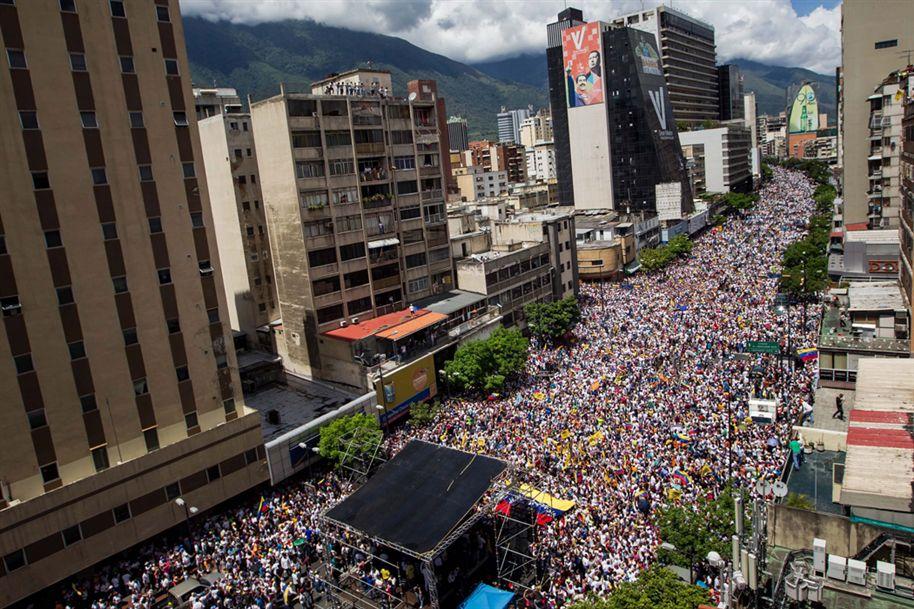 Maduro assegura que Governo impediu golpe de Estado