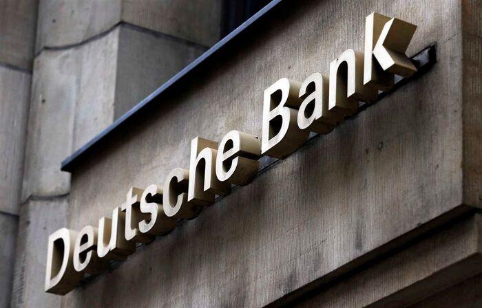 Resultado de imagem para Deutsche Bank compra anúncios em jornais para pedir desculpa aos clientes
