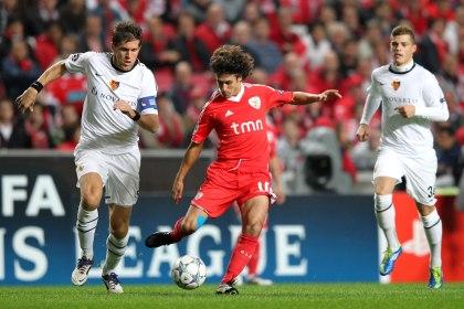 Benfica empata com Basileia (1-1) e perde 1.º lugar