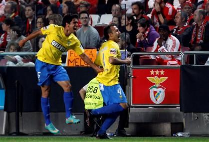 """Estoril trava Benfica e põe o clássico a """"ferver"""""""