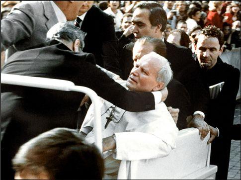 Homem que tentou matar João Paulo II diz que ordem partiu do Vaticano