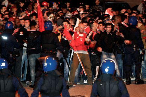 PSP aperta controlo às claques do Benfica e Sporting