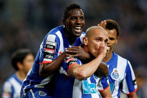 F. C. Porto vence Académica (3-1) e pode festejar título na Luz