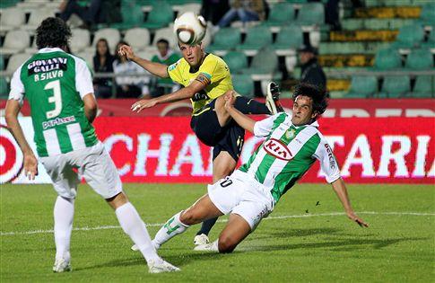 F. C. Porto goleia Setúbal (4-0) e continua invicto na Liga
