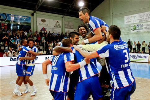 F. C. Porto tricampeão de andebol