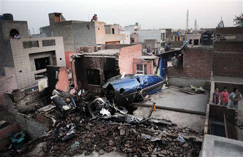 Pelo menos 10 mortos em acidente de avião medicalizado perto de Nova Deli