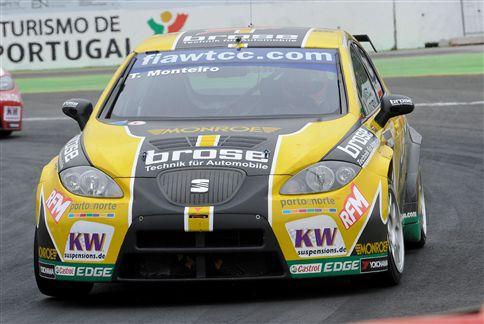 Tiago Monteiro no pódio do Circuito da Boavista