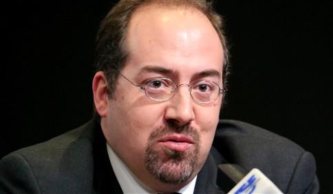 """Santos Pereira condena """"ambiente de ostentação"""" no anterior Executivo"""