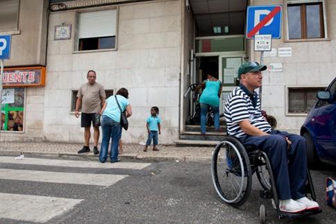 Ministro simplifica lei de instalação de rampas para pessoas com deficiência