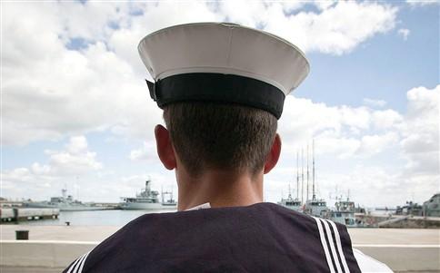 Salários ilegais na Marinha custam mais 6 milhões por ano