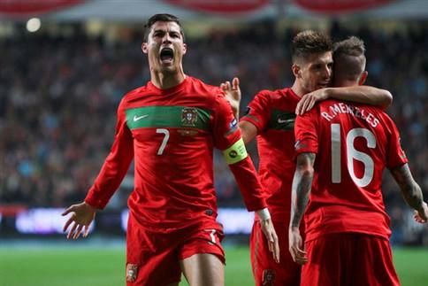 Portugal goleia Bósnia e está no Euro 2012