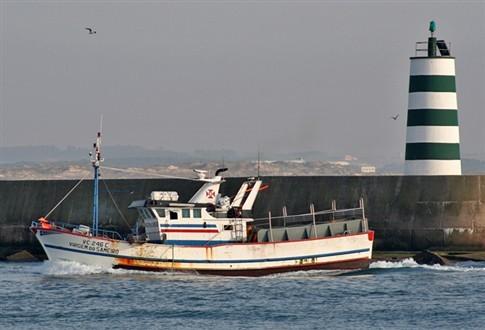 Pescadores das Caxinas chegaram em segurança a Monte Real