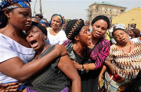 Violência coloca Nigéria em estado de emergência