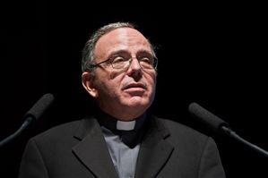 """Bispo do Porto afirma que situação do país """"é gravíssima"""""""